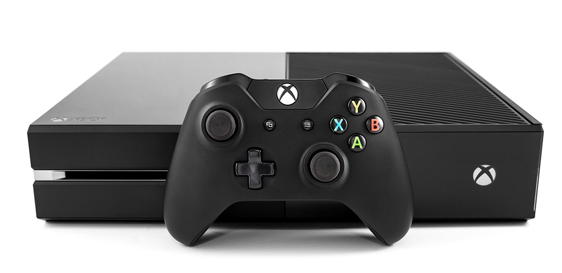 Xbox One controller and console